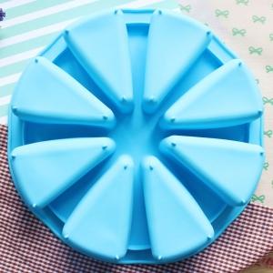 พิมพ์ขนม สามเหลี่ยมเค้ก 8 ช่อง 180 กรัม/ช่อง B304