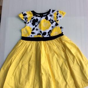 ชุดกระโปรง เด็กโต สีเหลืองดำ size 3-4-5 y เด็กโตลายส่ง ชุดละ 140 ครับ แพ็ค 6 ตัว คละไช่ รวมแบ็น 840 บาท