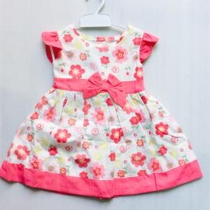 ชุดเด็กหญิงแบรน qkid สวนหน้ารัก size 12-18-24 เดือนขายส่งยกหกชุดราคาเดียว 840 บาท ตกชุดละ140 เท่านั้นครับ