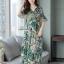 Maxi Dress พิมพ์ลายใบไม้และดอกไม้โทนสีเขียวสดใส thumbnail 3