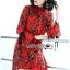 เดรสผ้าเครปสีแดงพิมพ์ลายดอกไม้สีเขียวตกแต่งพลีต thumbnail 4