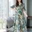 Maxi Dress พิมพ์ลายใบไม้และดอกไม้โทนสีเขียวสดใส thumbnail 6
