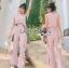 จัมป์สูทผ้าเครปสีชมพูอ่อนตกแต่งระบายสไตล์มินิมัลชิค thumbnail 5