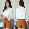 เสื้อแฟชั่นเกาหลี สายผูกโบว์ที่คอ ปลายสายมีไข่มุก สีขาว