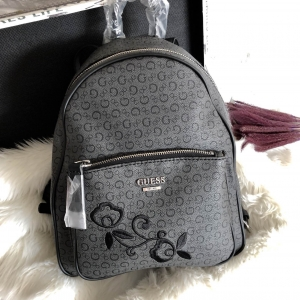 GUESS WOMEN'S CURRAN BACKPACK ONE SIZE HANDBAG *สีดำ