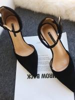รองเท้าส้นสูงแฟชั่นสีดำ