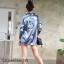 เสื้อเกาหลี พร้อมส่ง เสื้อเชิ้ต ผ้าซาติน ปักดอกไม้ด้านหลัง thumbnail 6