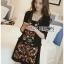 เดรสเกาหลี พร้อมส่ง เดรสสีดำ ปักลายดอกไม้ thumbnail 7