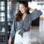 เสื้อเกาหลี พร้อมส่ง เสื้อคอวี ลายดอกกระดุมหน้า thumbnail 4