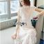 เดรสเกาหลี พร้อมส่ง เดรสผ้าลูกไม้ สีขาวทรงคอสูง thumbnail 6