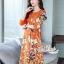 เดรสเกาหลี พร้อมส่ง เดรสทรงปล่อย สีส้มทองพิมลายดอกไม้ thumbnail 5