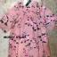 เดรสลายดอกสีชมพู ดาราใส่เยอะมากค่ะ ออกแนวมินิมอล เดรสตัวใหญ่ ใส่สบายๆ ใส่คลุมท้องได้ยันคลอดเลยค่ะ งานสวยมาก ทำจากผ้าชีฟองสีชมพู มีซับใน สกรีนลายดอกกุหลาบ ใส่น่ารักๆแบบคุณณิชา คุณเต้ยค่ะ thumbnail 9